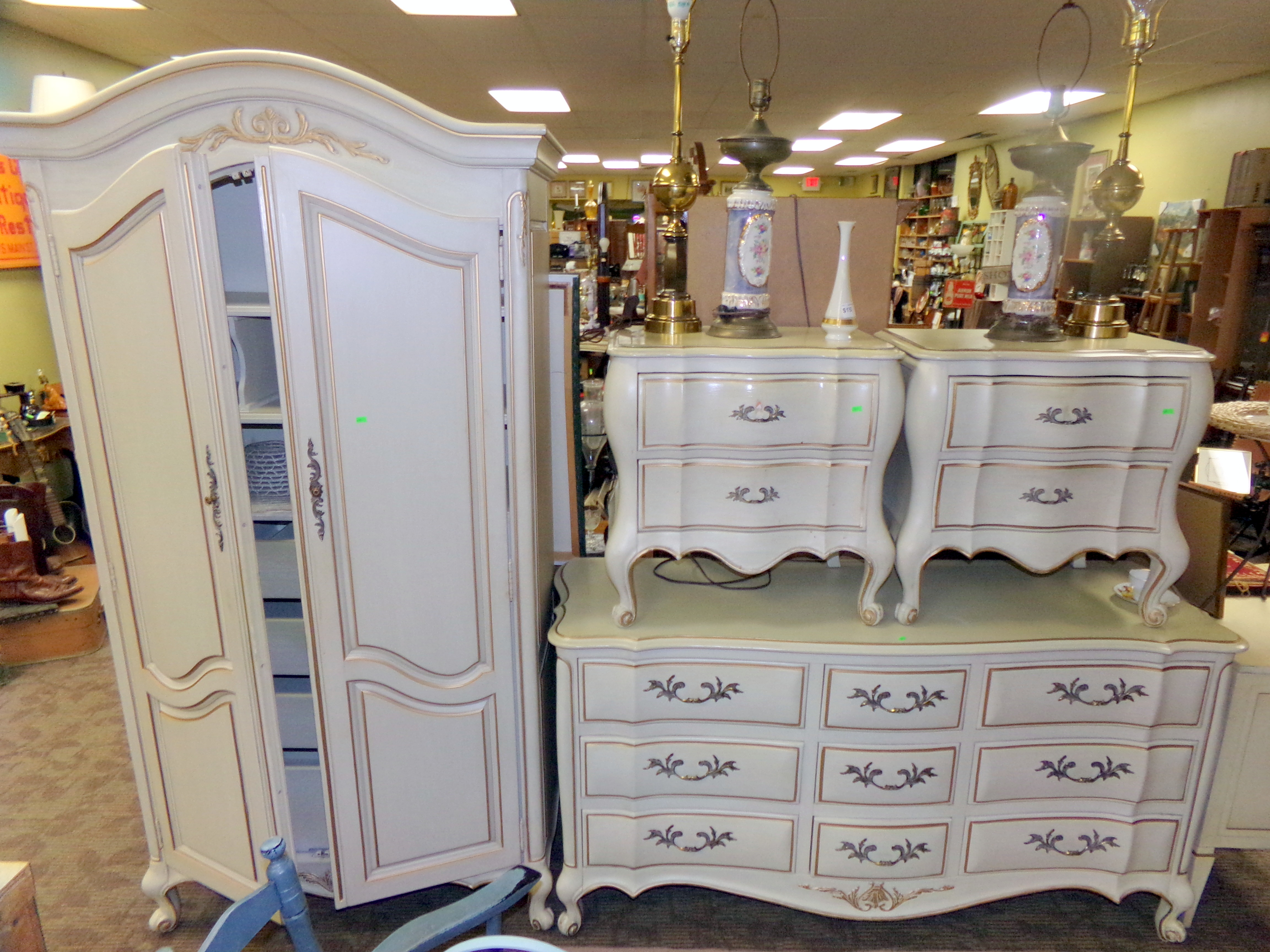White Fine Furniture French Provincial Dresser Armoire Nightstands X2