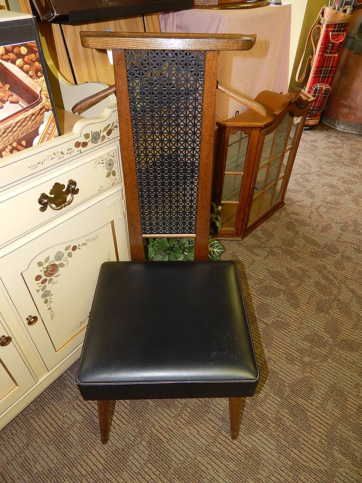 vintage mid century valet butler chair curiosity consignment rh curiosityconsignment com Butler Chairs Sale Antique Butlers Chair Brass