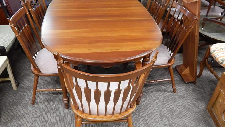 Tell City William Mary Cherry oval dining room table 6 chairs