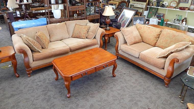 Distinctions Transitional Living Room Sofa Couch Coffee Table Set