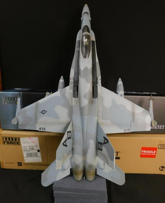 Huge 1/18 BBi Elite Force US Navy F/A-18C Hornet Jet VFA-86
