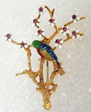 Signed 18k gold w ruby parrot parakeet bird enemeled pin