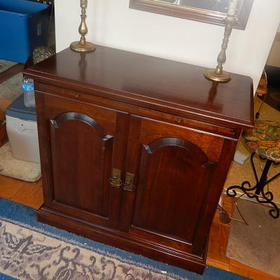 Chippendale traditional cherry bar server buffet credenza