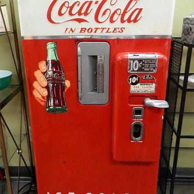 Vintage Vendo V-39 Ten Cent Coke Coca Cola Vending Machine