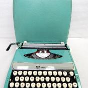 Smith Corona Corsair SCM Portable Typewriter
